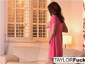Taylor's mind-blowing In pink