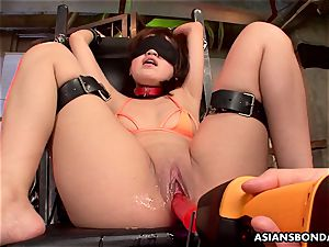 japanese sucker got her giant pussy greased and played