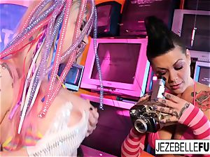 Surreal lesbian lovemaking with Jezebelle and Leya