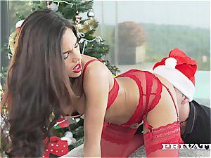 ultra-kinky Apolonia Lapiedra is the perfect Santa's helper