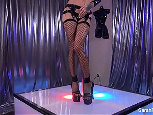 Stripper Sarah takes a phat wood from a client