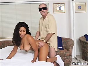 amateur she wants to try assfuck Glenn ends the job!