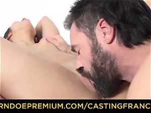 audition FRANCAIS - petite stunner fucked in first casting