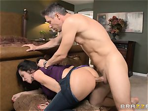 Ariella Ferrera gets forgiven with some ass fucking bang-out