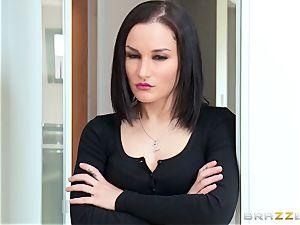 Gabriella Paltrova gives Abbey Rain a red-hot welcome