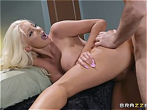 glad finishing rubdown with an epic blondie milf