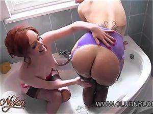 girl-on-girl babes soap cupcakes bum frigging fuckbox in nylons