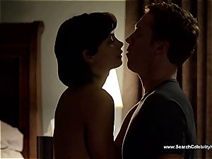 extraordinaire Morena Baccarin looking gorgeous naked on film
