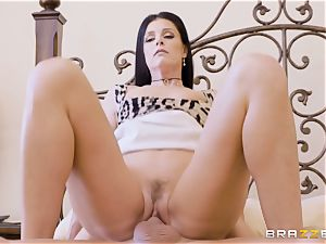 mummy India Summers messes with her draped daughters bf
