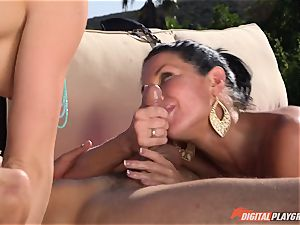 Chanel Preston and Veronica Avluv fucked deep in the red-hot splashing cooter pies