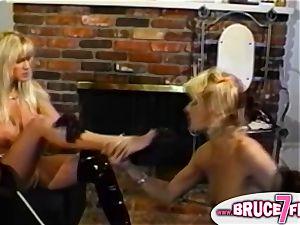 Retro lesbians strap-on