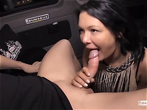 culos BUS - Bus drill and facial with big-titted German cougar