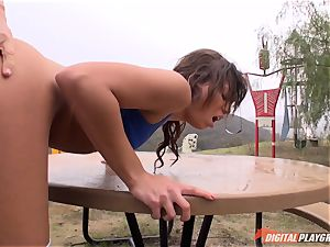 Working rock-hard outside with Naomi Heart