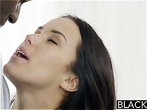 Megan Rain nailing a dark-hued meatpipe