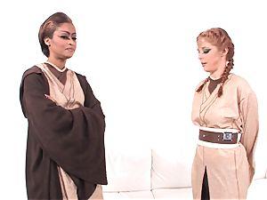 Jedi skin Diamond displays Penny Pax the intensity