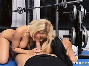 Luna star and Victoria June plow nut deep in the gym
