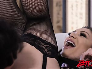sugary Lea Lexis fed jism after fishnets cowgirl