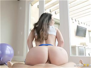 Smoking super hot dark-haired Lana Rhoades ass-fuck pounded