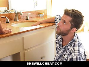 SheWillCheat - Mature wifey Gets Her cunt Piped