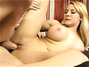 Madison Ivy luvs getting her raw pussy hammered