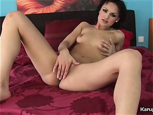Elis Diamond sizzling Finger cootchie with fuck stick