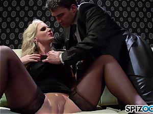 Spizoo - Phoenix Marie get a super-cute ravage by Tony Ribas