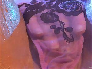 hotty Julia Ann luvs torturing Lisa Ann's moist crevasse