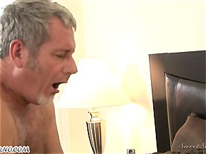parent humps his youthful stepdaughter Nicole Ray